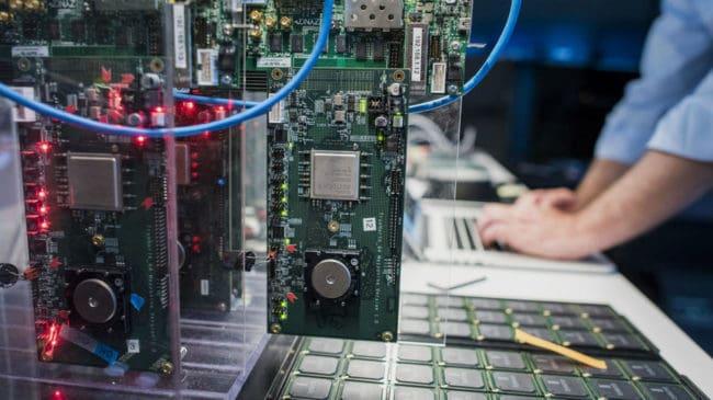 premiers ordinateurs quantiques